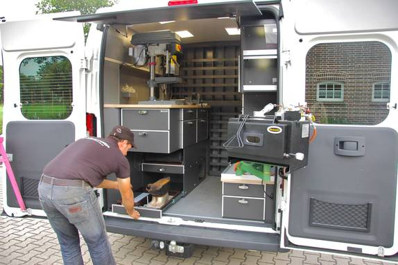 Comment Amenager Un Camion Ford Transit En Camping Car
